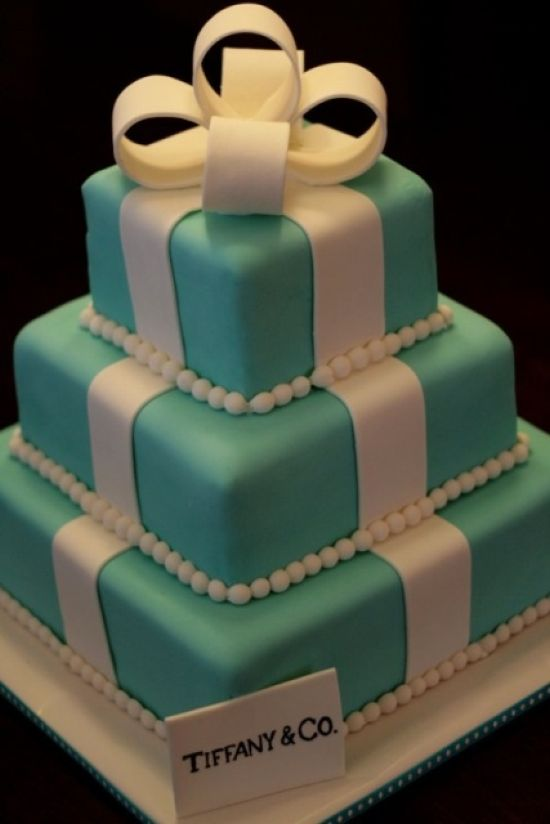 Tiffany Blue Wedding Cake Décor With A Gift Box