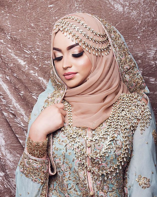 Traditional Muslim Wedding Dress With Unique Adornment