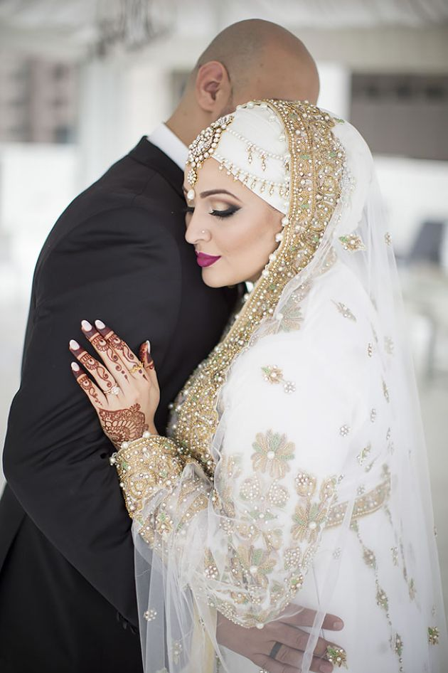 Traditional White Muslim Wedding Dress With Lace