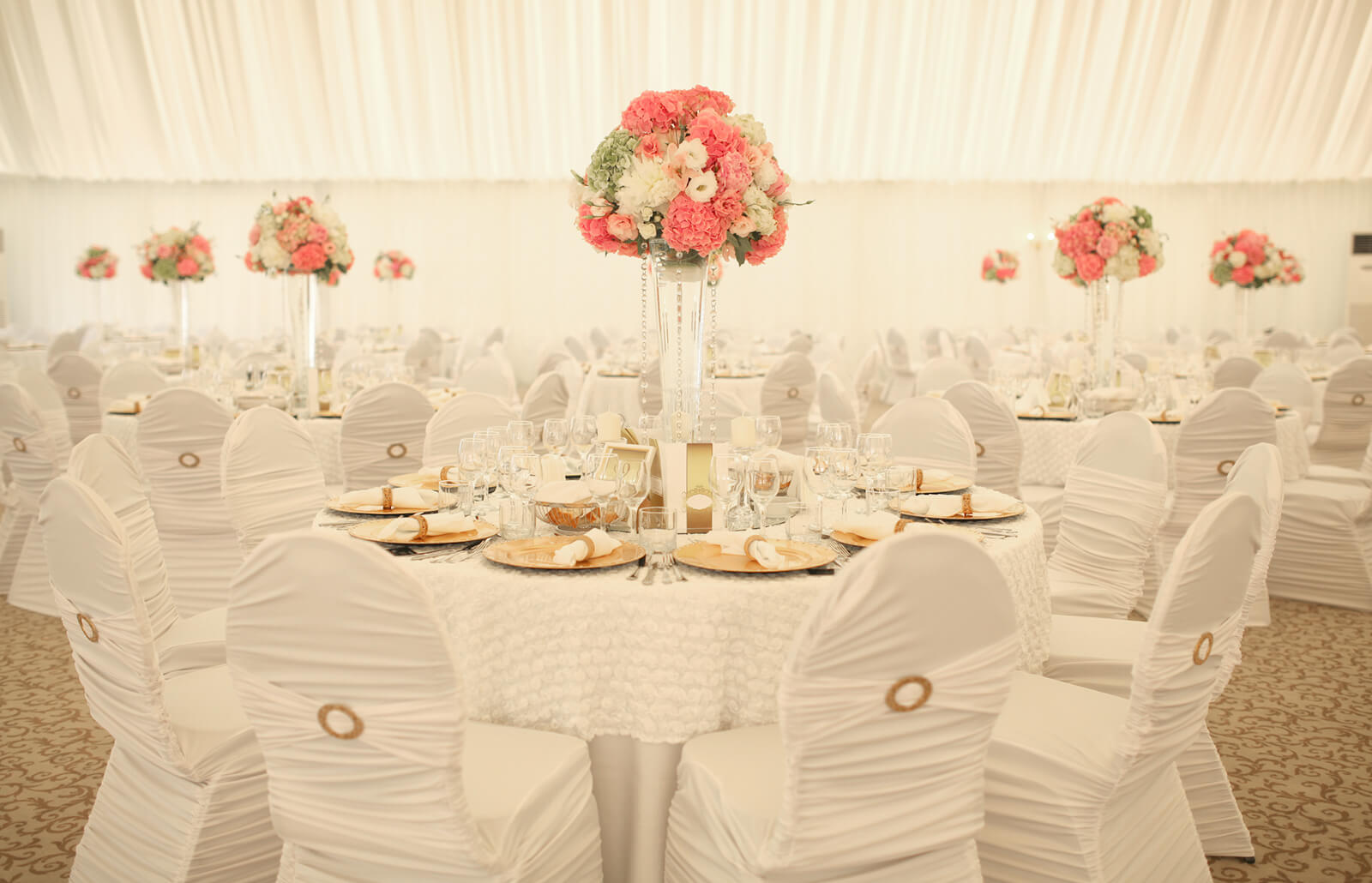 Simple Wedding Decoration Idea With Simple Table Setting