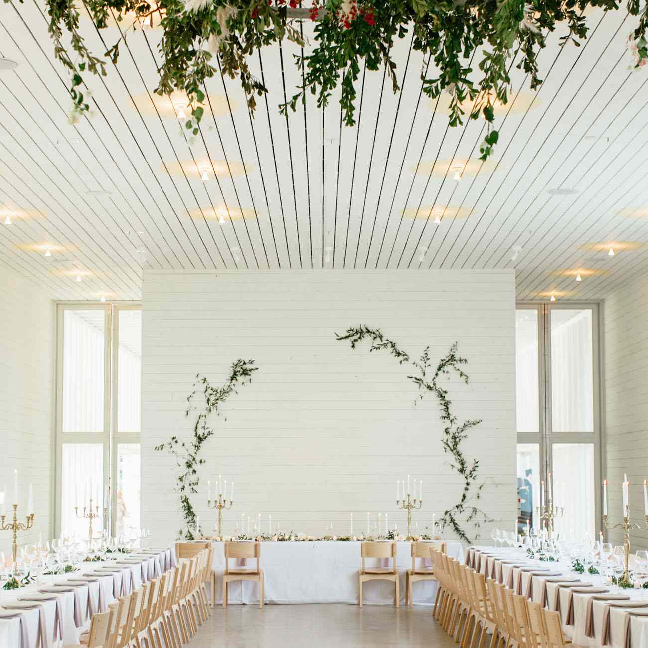 Simple Wedding Decoration Idea With White Table Setting